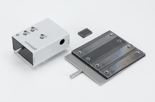 Light velocity measuring instrument
