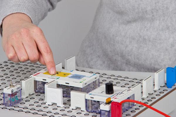 Fundamentals of electrics/electronics